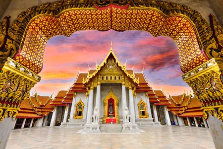templo: Mármol templo de Bangkok, Tailandia.