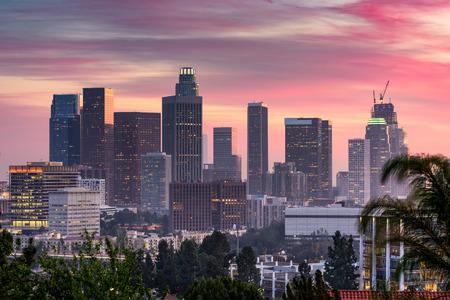 米国カリフォルニア州ロサンゼルスのダウンタウンのスカイライン。