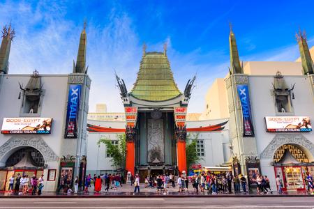 Los Angeles, Californië - 1 maart 2016: Grauman's Chinese Theater op Hollywood Boulevard. Het theater heeft gehost tal van premières en evenementen sinds het in 1927 geopend.