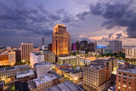 ニユー ・ オーリンズ、ルイジアナ、米国の中央ビジネス地区のスカイライン。