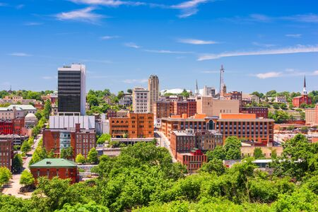 Lynchburg, Virginia, USA downtown city skyline in the day. Reklamní fotografie - 59289433