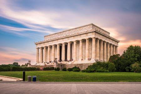 national monuments: Lincoln Memorial in Washington DC, USA.