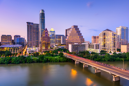 Austin, Texas, USA downtown skyline on the Colorado River. 스톡 콘텐츠