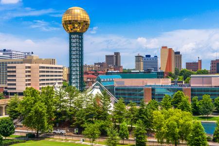 ノックスビル、テネシー州、米国の万博公園でダウンタウン。