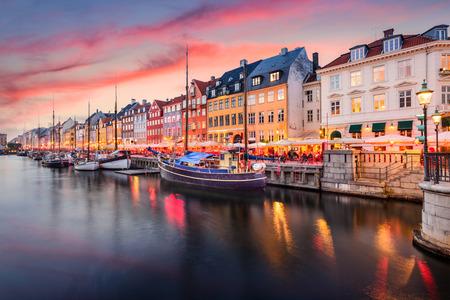 Kopenhaga, Dania na Kanale Nyhavn.