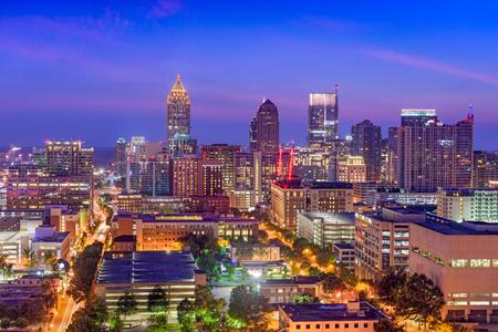 Midtown Atlanta, Georgia, USA w nocy.
