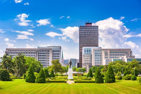 Baton Rouge, Louisiana, EE.UU. horizonte de Louisiana State Capitol.