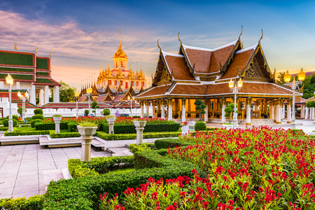Wat Ratchanatdaram Temple in Bangkok, Thailand. Фото со стока - 72980163