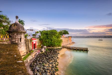 paseo: San Juan, Puerto Rico Caribbean coast along Paseo de la Princesa. Editorial