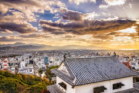 마쓰야마, 일본 스카이 성에서 볼. 스톡 콘텐츠