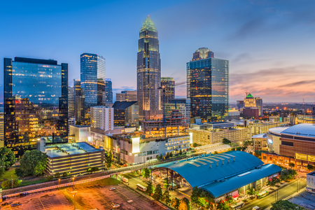 Charlotte, North Carolina, USA uptown cityscape at twilight. Imagens