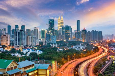 Kuala Lumpur, Maleisië snelwegen en skyline.