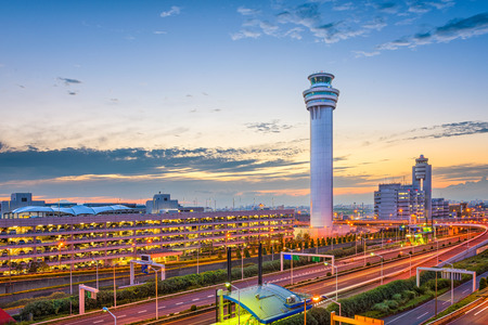 Tokyo, Japan at the control tower of Haneda Airport. Banque d'images