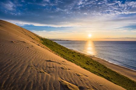 Tottori, Japan zandduinen op de zee van Japan.