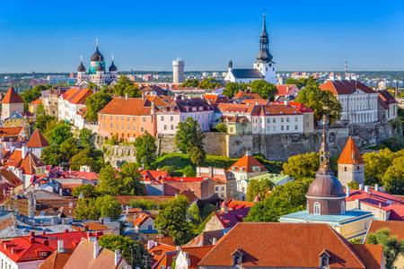 エストニア、タリン旧市街のスカイライン。