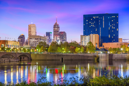 indianapolis: Indianapolis, Indiana, USA skyline on the White River.