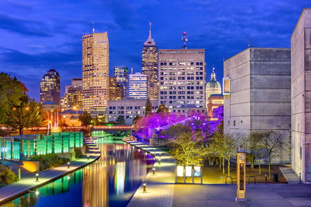 Indianapolis, Indiana, USA skyline on the Canal Walk. Stock Photo - 89948070