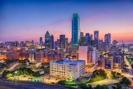 달라스, 텍사스, 미국 도시의 스카이 라인입니다. 스톡 콘텐츠
