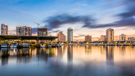 St. Petersburg, Florida, USA downtown skyline. Banque d'images