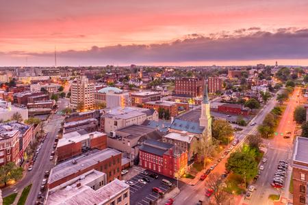マコン、ジョージア、アメリカのダウンタウンの街のスカイライン。