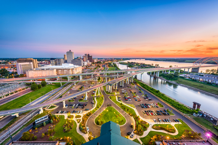 Memphis, Tennessee, USA aerial skyline view with downtown and Mud Island. Archivio Fotografico
