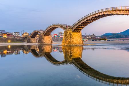 Iwakuni, Japan at Kintaikyo Bridge. 免版税图像