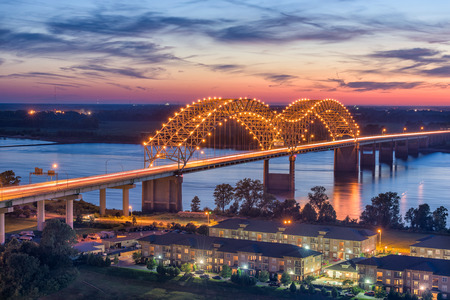 Memphis, Tennessee, USA at Hernando de Soto Bridge. 스톡 콘텐츠