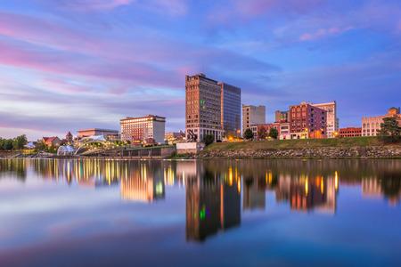 Charleston, West Virginia, USA skyline on the Kanawha River.