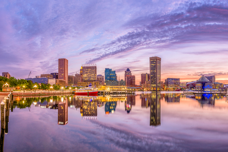 Baltimore, Maryland, USA Skyline on the Inner Harbor at dusk. Stockfoto