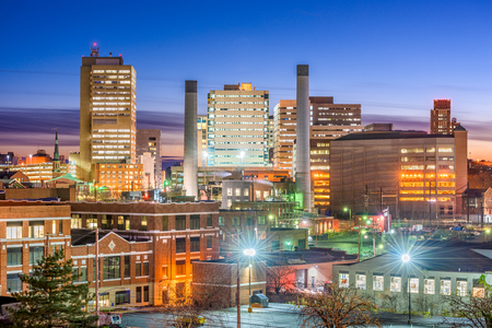 Harrisburg, Pennsylvania, USA downtown skyline at night. Stockfoto