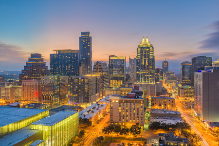 Austin, Texas, USA downtown cityscape at dusk. 版權商用圖片 - 98707841