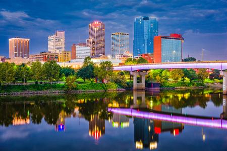 Little Rock, Arkansas, USA skyline on the river at twilight. Stock fotó