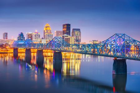 Louisville, Kentucky, USA downtown skyline on the Ohio River at dusk. Stock Photo