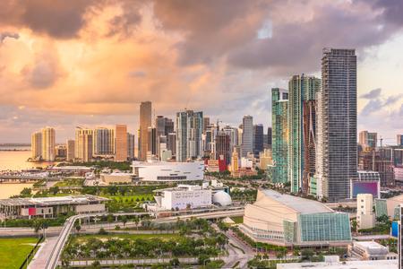 Miami, Florida, USA downtown cityscape at dusk. 免版税图像