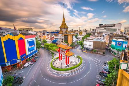 Bangkok, Thailand Chinatown roundabout at dusk. 版權商用圖片