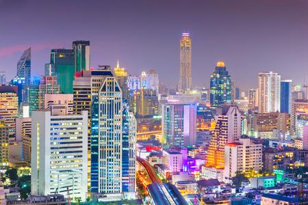 Bangkok, Thailand cityscape at night. 版權商用圖片