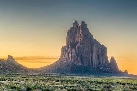 Shiprock, New Mexico, USA at the Shiprock rock formation. Imagens