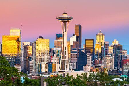 Seattle, Washington, USA downtown city skyline at dusk. Imagens