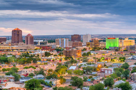 Albuquerque, New Mexico, USA downtown cityscape at twilight. Standard-Bild