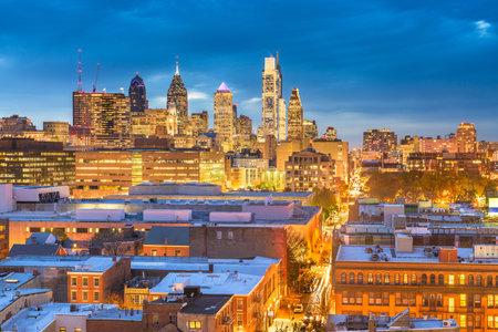 Philadelphia, Pennsylvania, USA skyline over Center City at dusk. 版權商用圖片