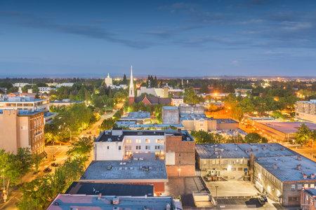 Salem, Oregon, USA downtown city skyline at dusk.