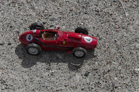 competitividad: Vista del modelo de un coche monoplaza de la vendimia Foto de archivo