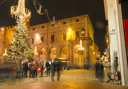 cavour: View of spree shopping in Christmas time
