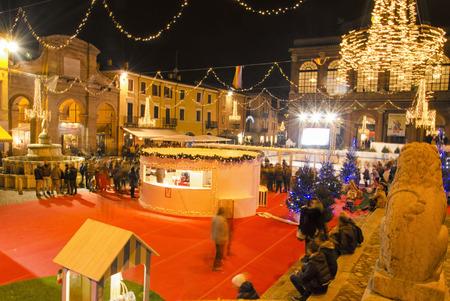 hectic life: Metaphor of Christmas fever in Italian town