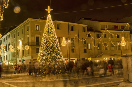 Rimini, Italy - December 04, 2016: Metaphor of busy life in Christmas period Stock fotó - 92080147