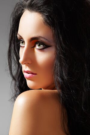 oriental ethnicity: Luxury arabian woman with beautiful bright oriental make-up