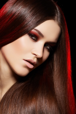 Health, beauty, wellness, haircare, cosmetics and make-up. Beautiful fashion hairstyle. Woman model with shiny straight long hair and evening make-up  Foto de archivo