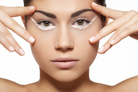 luxury liner: Glamour portrait of beautiful woman model with bright white eyeliner make-up