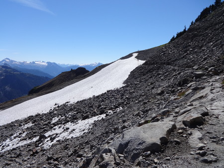 cascade range: An impressive view is waiting after the hill