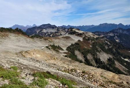 North cascades mountain range from Ptarmigan ridge trail